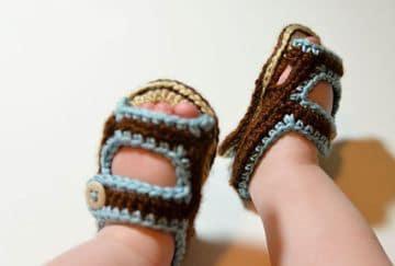 sandalias tejidas para bebe niño