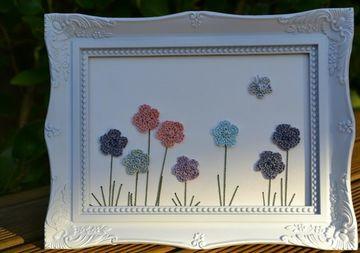 cuadros a crochet con flores con marco elegante