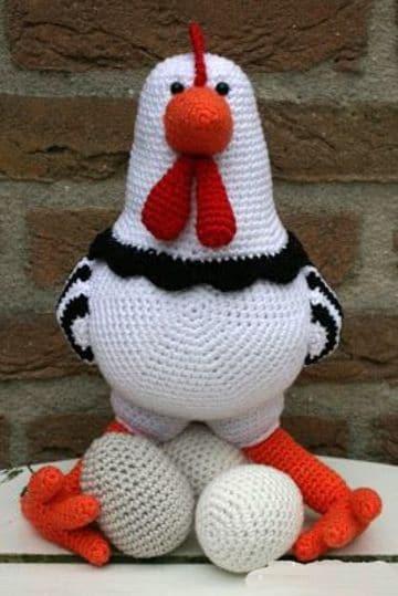 gallinas tejidas a crochet con huevos