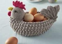 Las gallinas tejidas a crochet para ordenar huevos y decorar