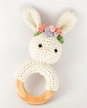 sonajeros tejidos al crochet de conejito