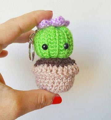 cactus tejidos a crochet de llavero