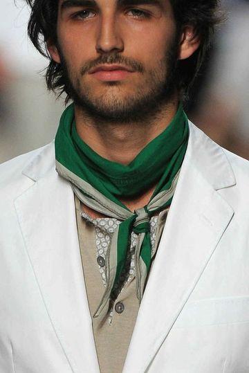 pañuelos de cuello para hombres moderno