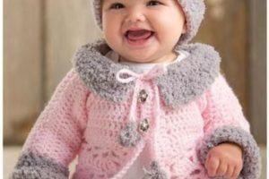 Diferentes y hermosos modelos de ropones para bebe a crochet