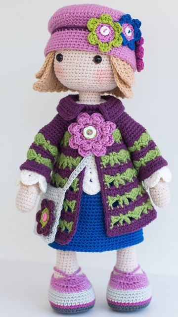 muñecos tejidos a crochet para niñas