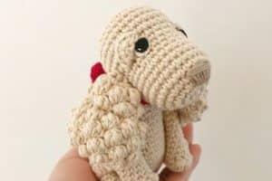 Adorables perros tejidos a crochet para un tierno regalo