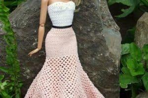 Vestidos de barbie tejidos para muñecas chic y a la moda