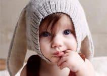 Ideas de orejas de conejo para niño en gorros tejidos