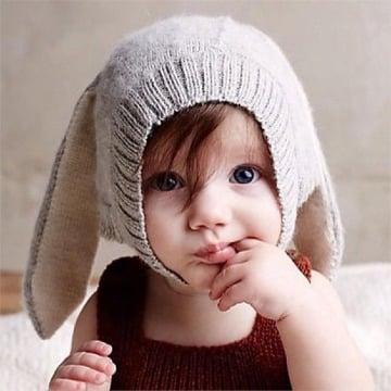 Orejas de conejo para niños tejidas