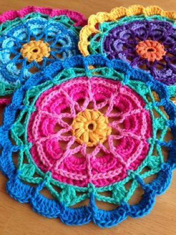 carpetas tejidas a crochet mandalas