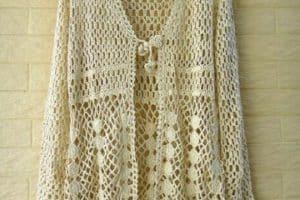 Hermosos y elegantes modelos de chalecos a crochet calados