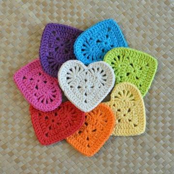 como hacer corazones tejidos a crochet