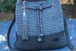 Hermosas carteras tejidas a crochet para la mujer de hoy