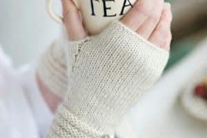 Como tejer mitones a crochet de forma original y preciosa