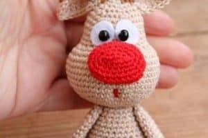 Preciosos y coloridos muñecos tejidos a crochet paso a paso