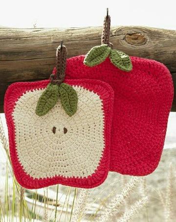 como hacer agarraderas a crochet en forma de frutas