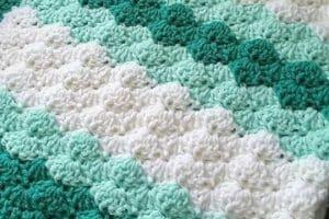 4 diseños de cobijitas de bebe tejidas a gancho