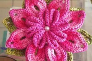 4 diseños originales de flores grandes a crochet