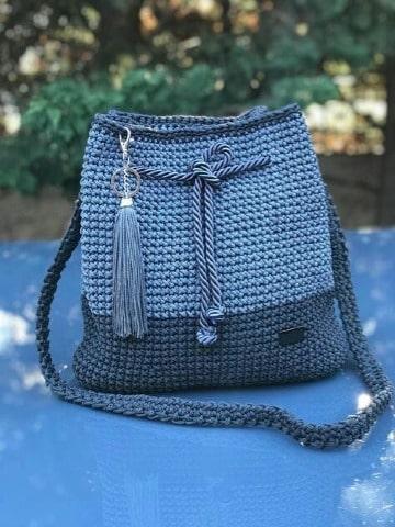 modelos de bolsos tejidos a crochet para mujer
