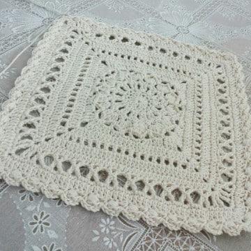 tapetes a crochet cuadrados grandes