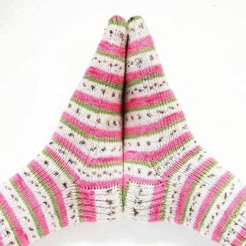 calcetines con agujas circulares para niñas