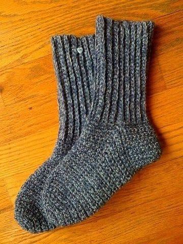 como hacer calcetines de lana para niños