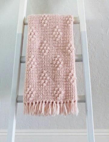 mantas tejidas a crochet para bebe