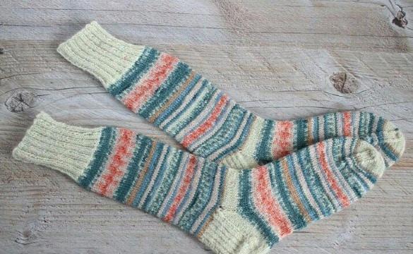 modelos de calcetines con agujas circulares