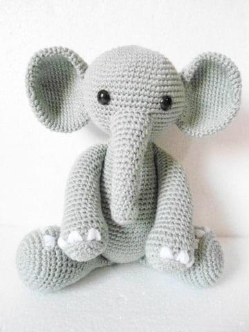 elefante tejido a crochet para niño
