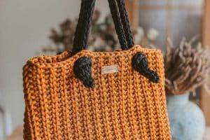 4 tamaños de originales bolsos tejidos con nylon