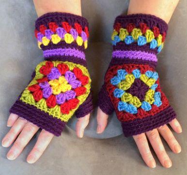 guantes tejidos para niños con flores
