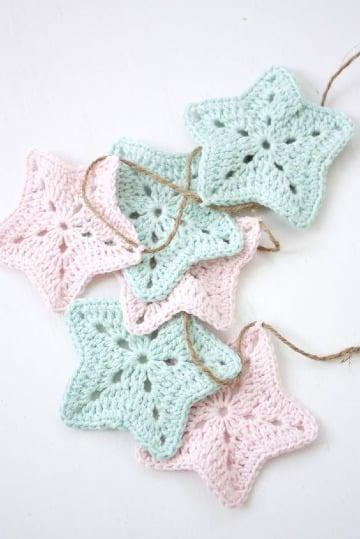como hacer estrellas tejidas a crochet