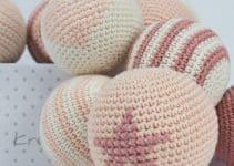 2 de los diseños de pelotas tejidas a crochet originales