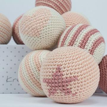 pelotas tejidas a crochet para decoracion