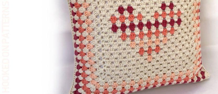 fundas para cojines a crochet para regalo enamorados