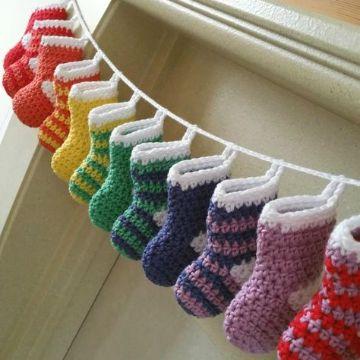 medias navideñas en crochet a colores