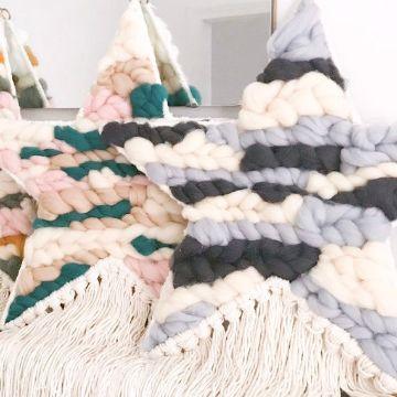 estrella tejida a crochet con trapillo