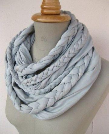 bufandas circulares tejidas a mano con trapillo