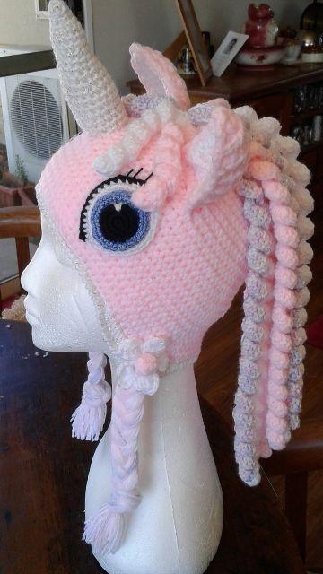 gorros de unicornio a crochet con ojos