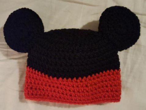 gorros tejidos de mickey mouse sencillos