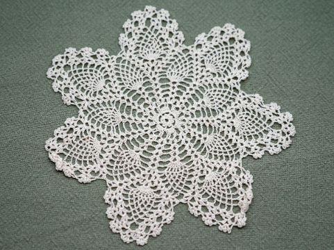 tejidos y bordados de servilletas forma de flor