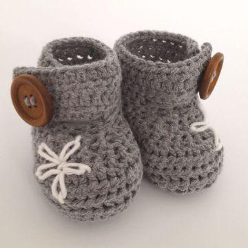 escarpines para bebe a crochet con decorados