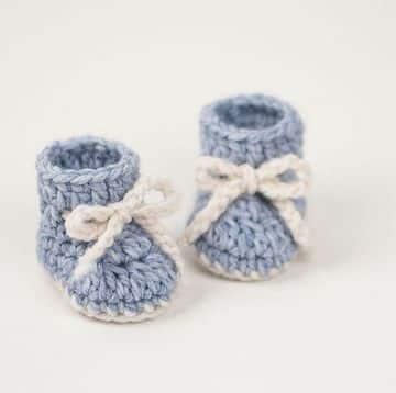 escarpines para bebe a crochet tradicionales