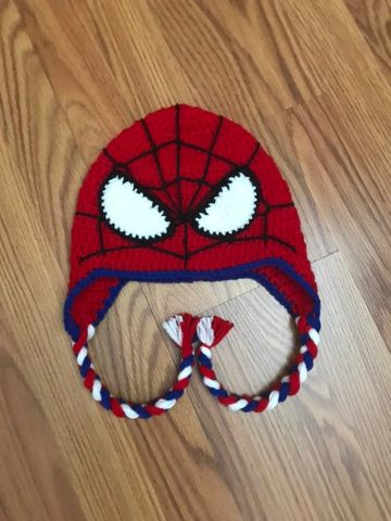 gorros tejidos de spiderman con coletas