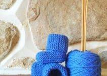 4 sencillas botitas de bebe a dos agujas a color