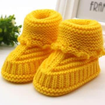 botitas tejidas para niña amarillas