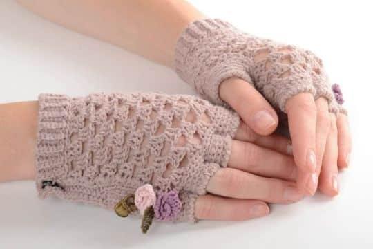 mitones a crochet para mujer con detalles