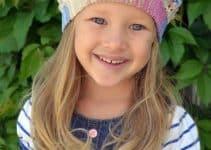 3 sombreros a crochet para niñas con flores y una boina