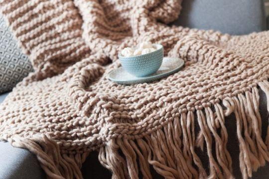 mantas de lana para sofa con flecos