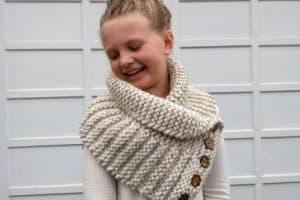 Ponchos y chalinas a crochet para niñas de 3 a 5 años